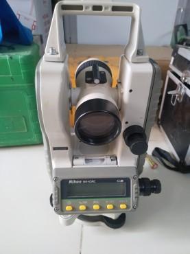 Máy kinh vĩ điện tử Nikon NE-10RC